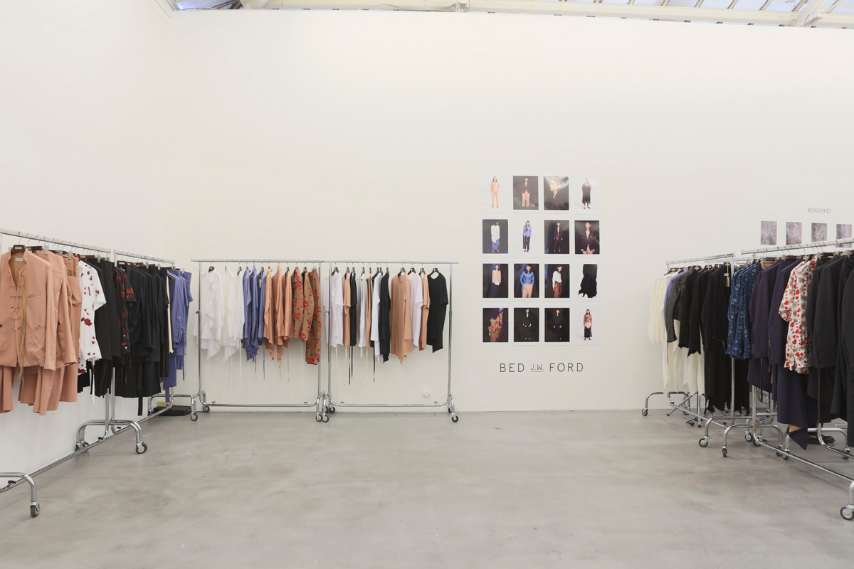 BED j.w. FORD 2018 S/S Show room